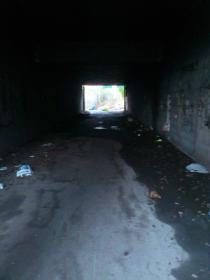 Altra foto del sottopasso della Tangenziale Est. NON illuminato.