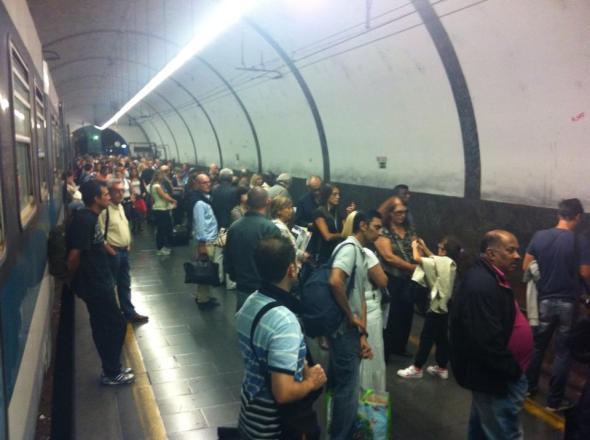 Giovedì 26/09/2013, in attesa del treno urbano delle 19:58 a Piazzale Flaminio