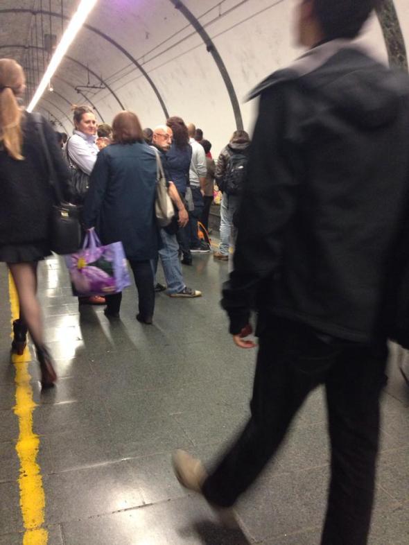 Lunedì 04/11/2013, in attesa del treno urbano delle 19:58 a Piazzale Flaminio